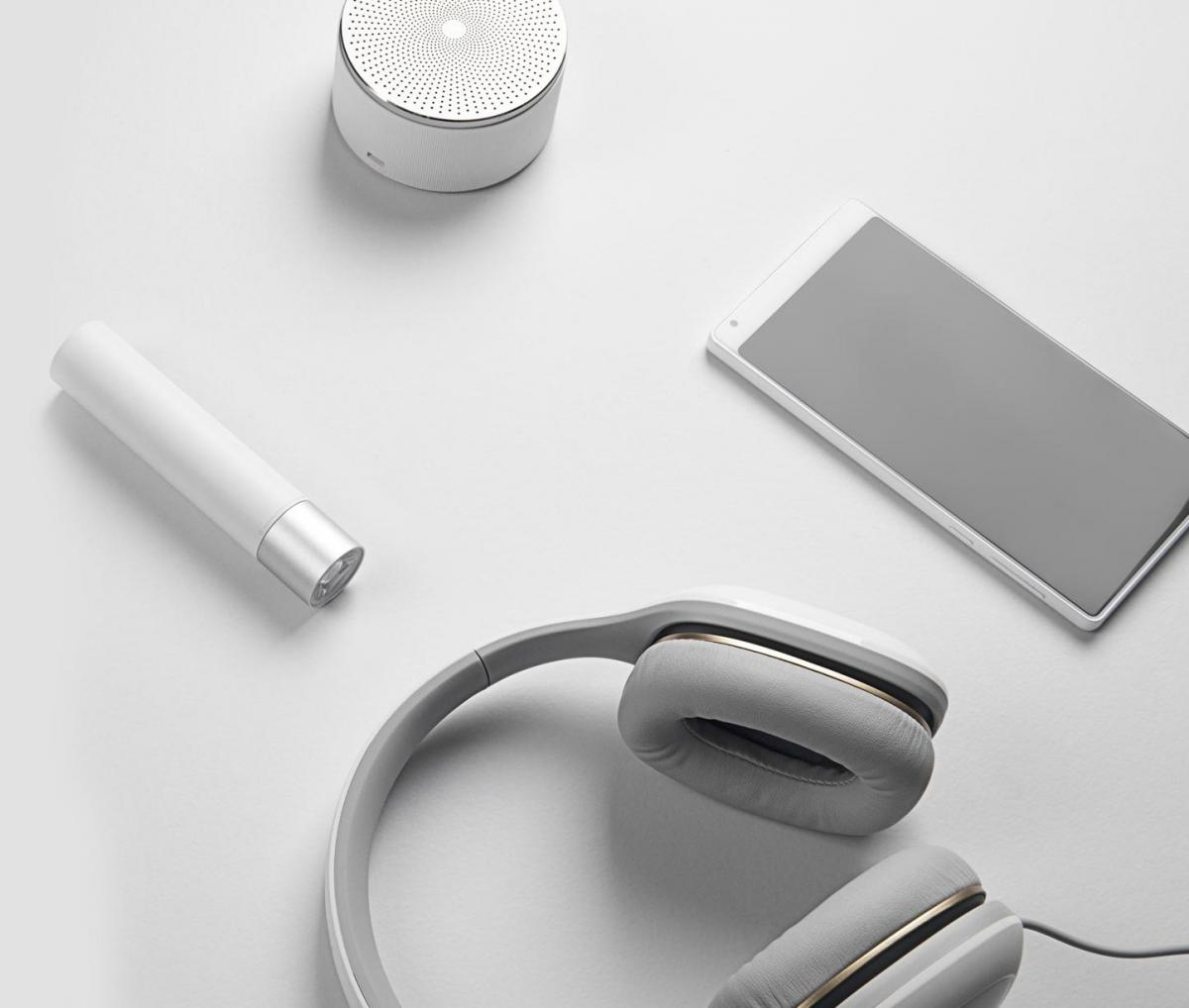 Внешний аккумулятор Xiaomi Mi Power Bank Flashlight 3350mAh Silver